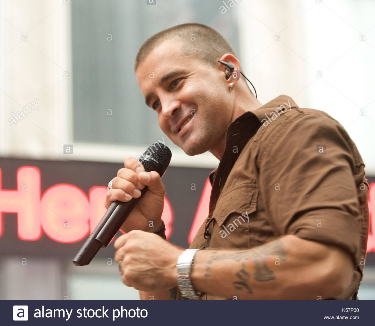 Scott stapp creed in concert on the fox friends show fox scott stapp creed in concert on the fox friends show fox news in new york city ny kristyandbryce Images