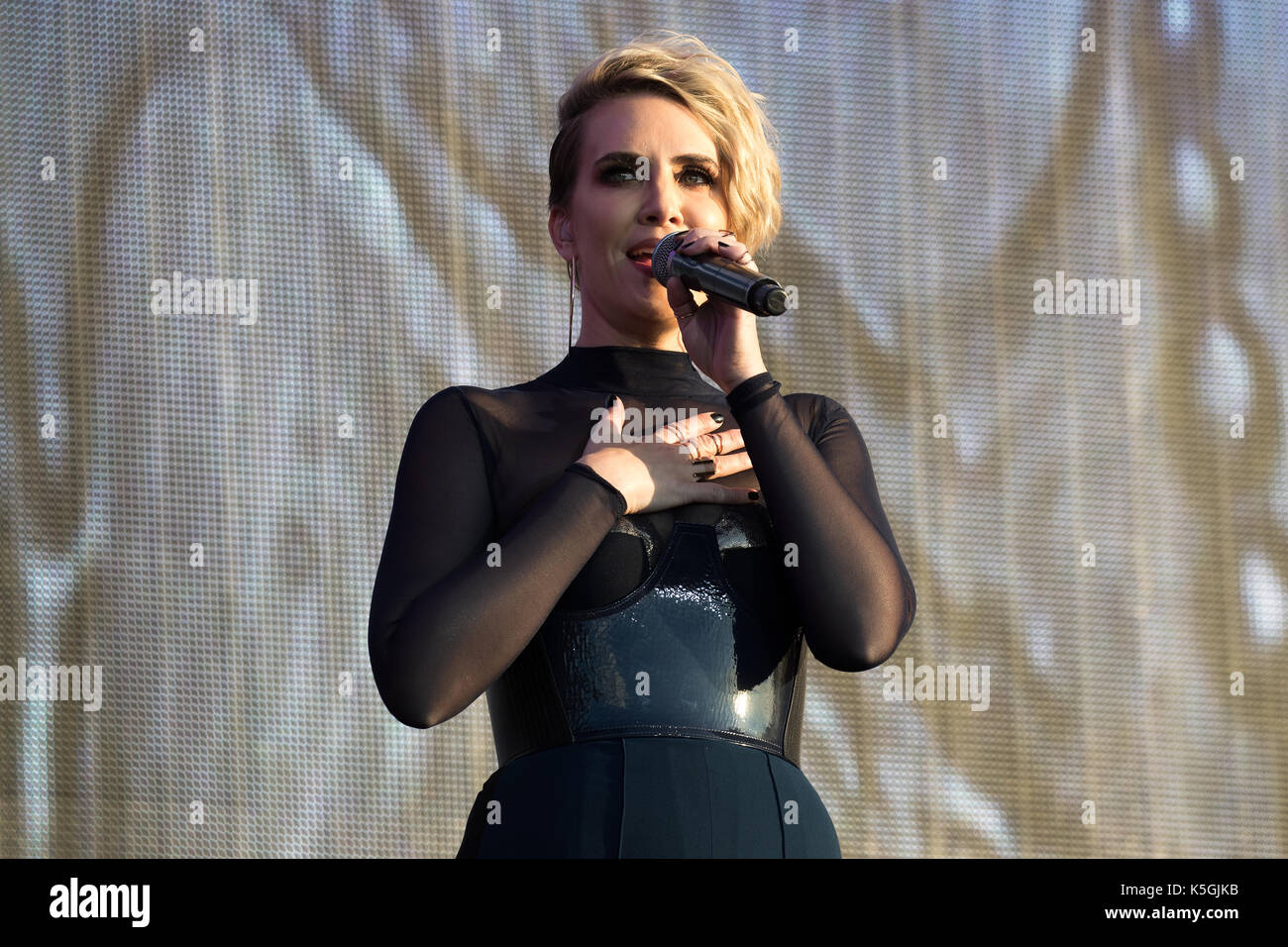 claire richards 2017 - photo #27