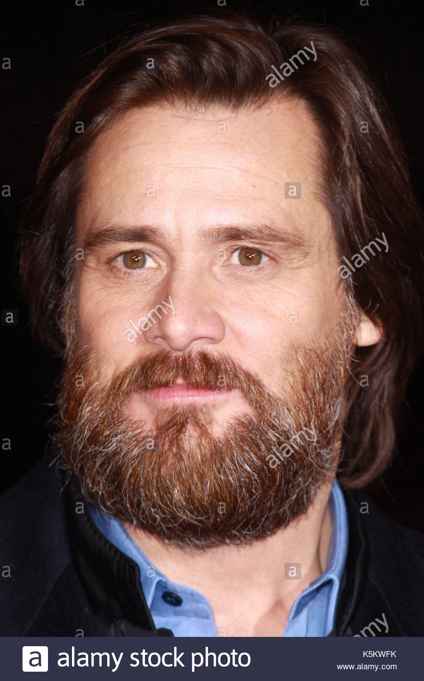 Jim Carrey with a beard. A Christmas Carol World Premiere at the ...