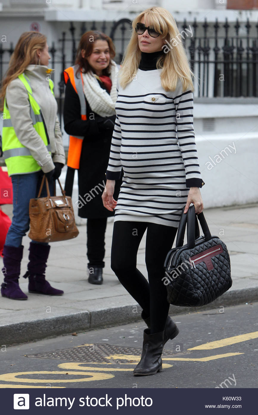 Claudia Schiffer gave birth to a child from a resident of Cheboksary 07.12.2011 52