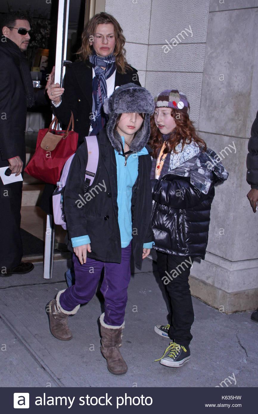Jennifer Jason Leigh Jennifer Jason Leigh new images