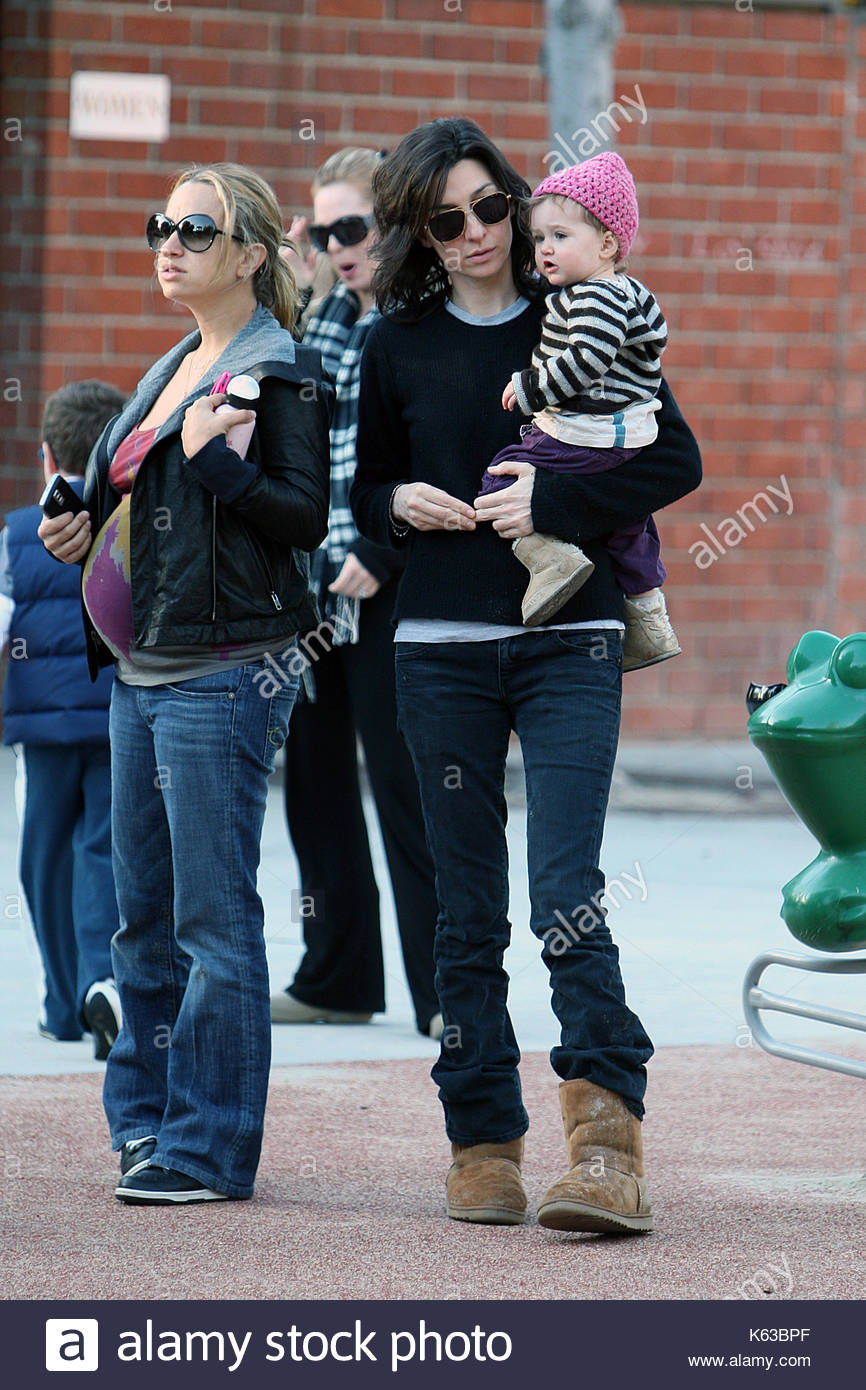 allison adler and sawyer gilbert 90 s tv series roseanne actress sara gilbert and her partner allison adler take their daughter sawyer to the park for a
