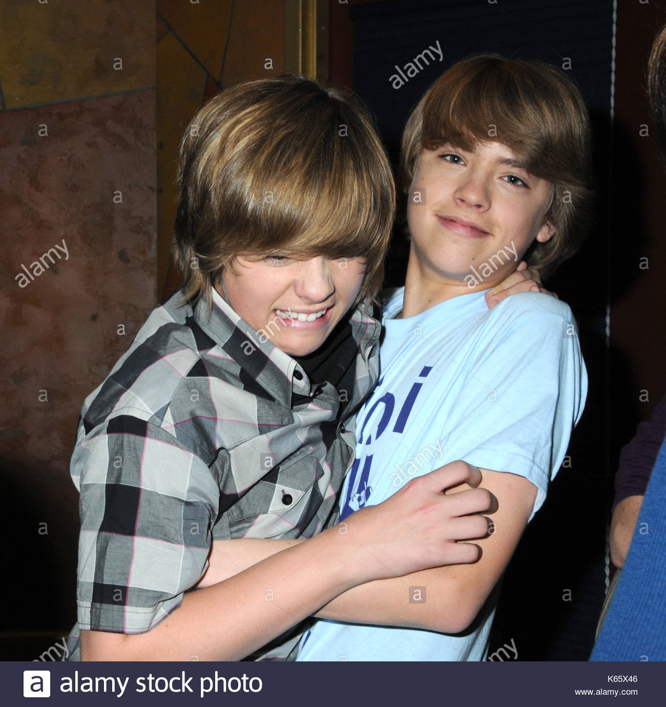 Dylan sprouse and cole sprouse cast of the suite life on deck dylan sprouse and cole sprouse cast of the suite life on deck visit kristyandbryce Choice Image