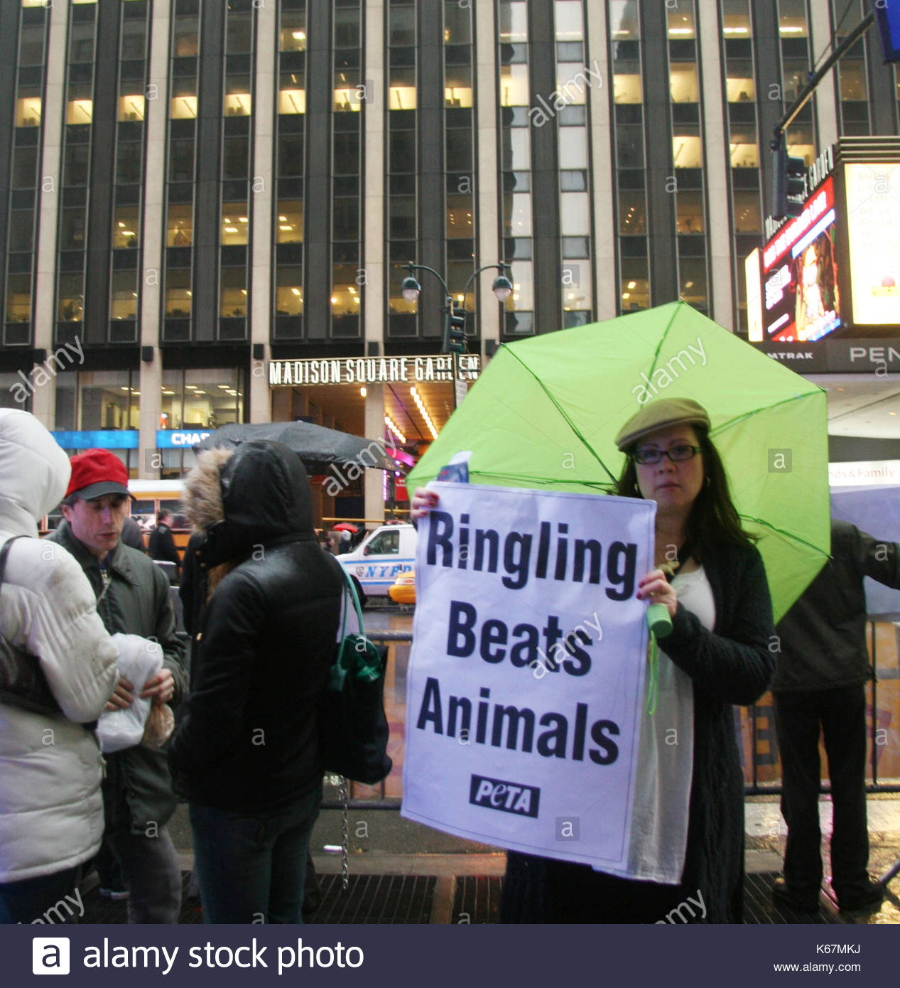 On the hook: protest action of animal defenders in Colombia 4