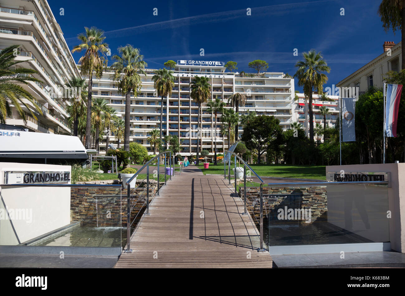 grand hotel cannes stock photos grand hotel cannes stock images alamy. Black Bedroom Furniture Sets. Home Design Ideas