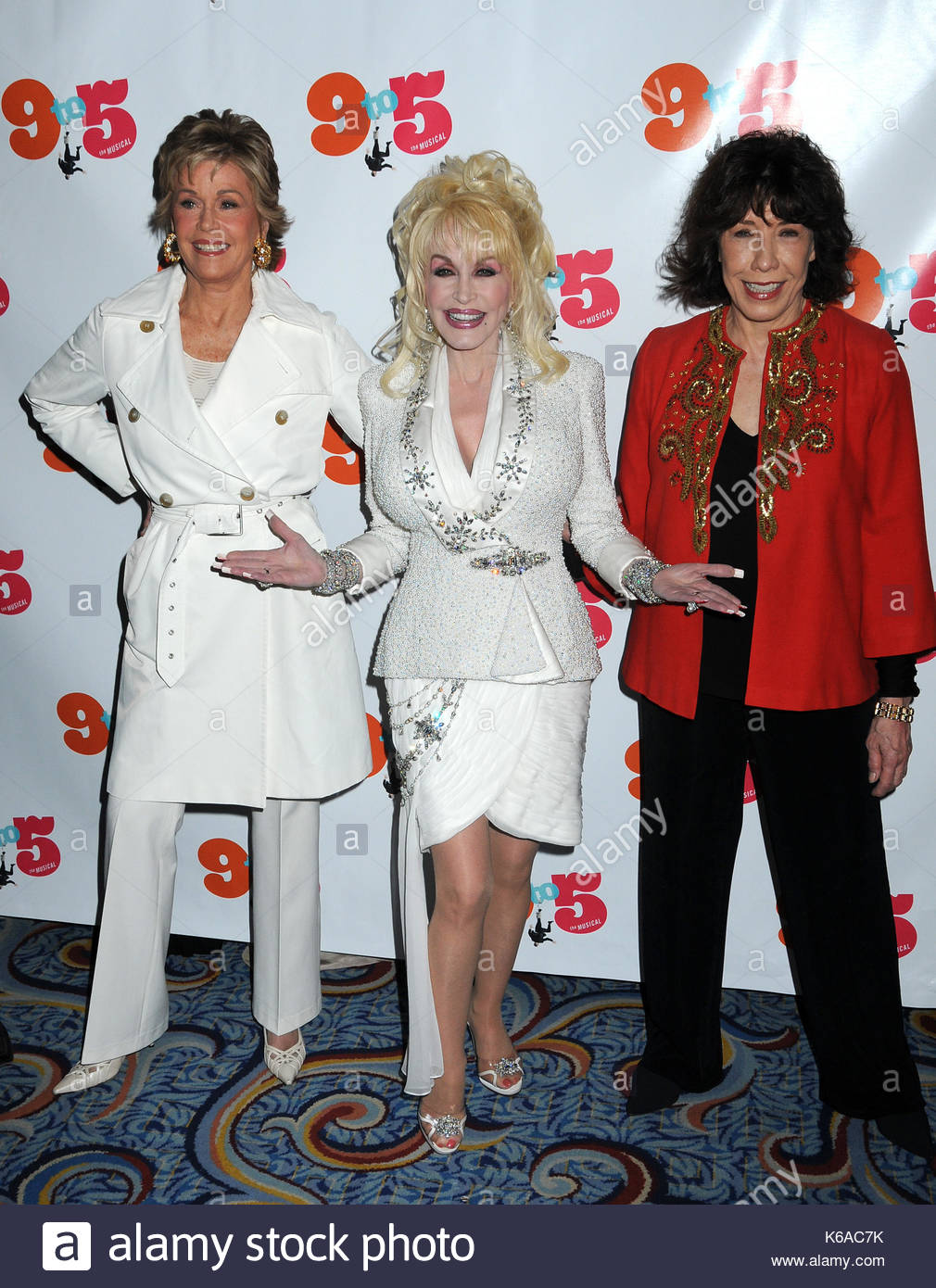 Jane Fonda Dolly Parton And Lily Tomlin The Original Castmates From 9 To 5 Movie Attend Broadway Opening For At
