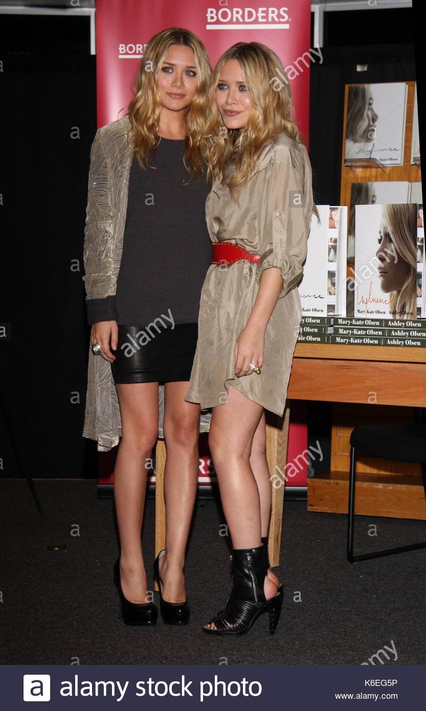 Influence Book Signing Mary Kate Ashley Stock Photos ...