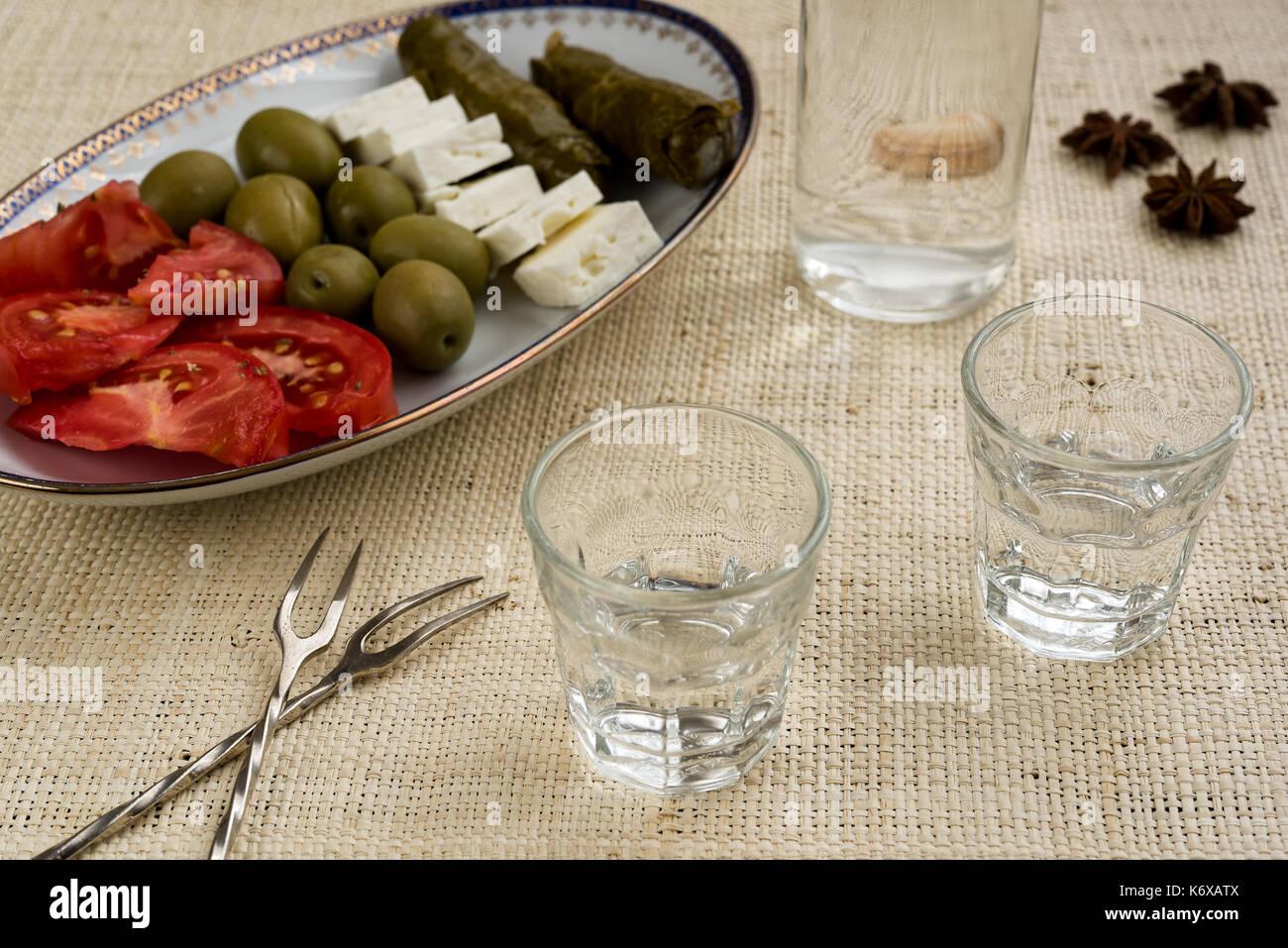 how to drink greek raki