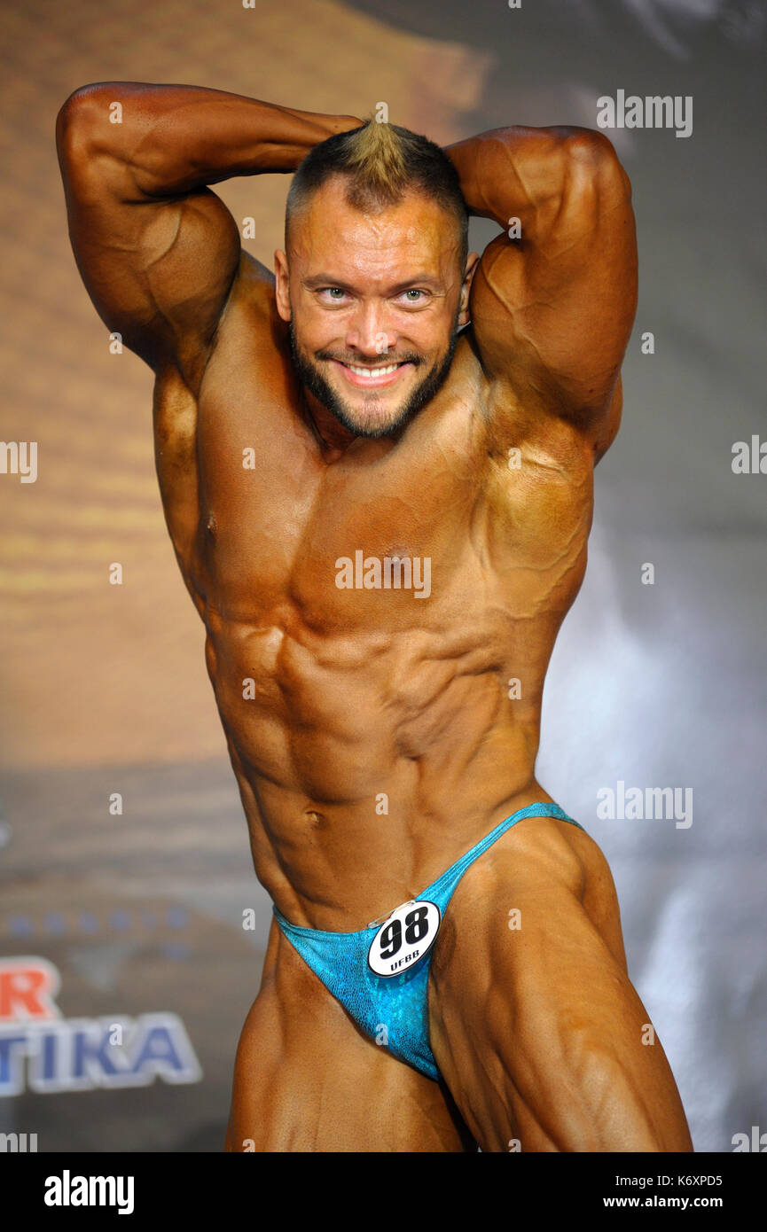 Male bodybuilders bikinis photos 958