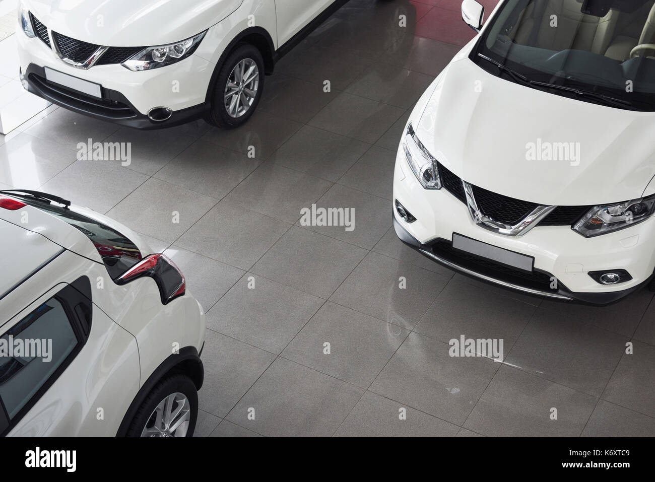 Wide Shot Of Car Stock Photos & Wide Shot Of Car Stock Images - Alamy