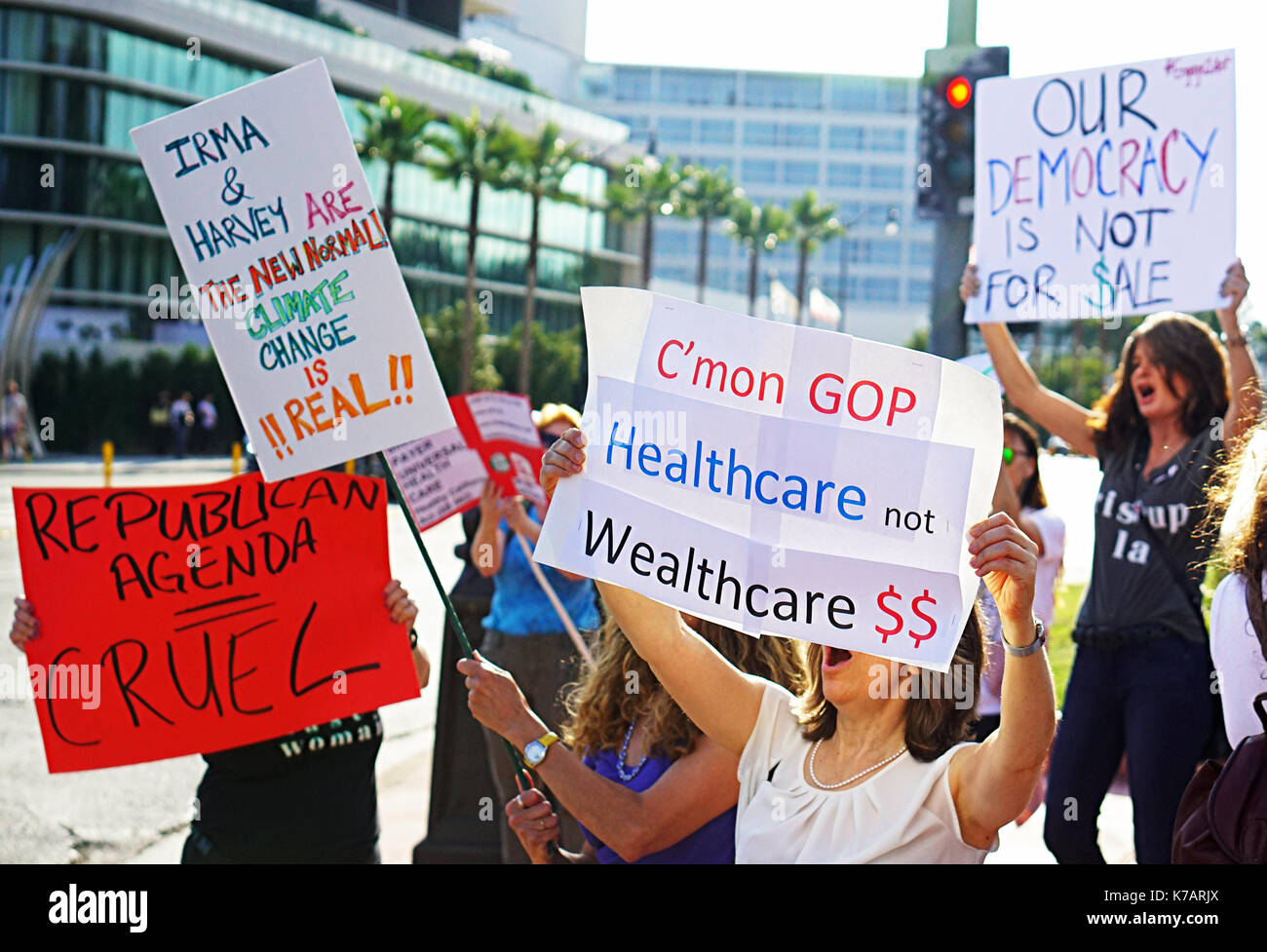 Beverly hills usa 14th sep 2017 trn voter registration beverly hills usa 14th sep 2017 trn voter registration education fundraiser protester hold signs demonstrating their constitutional right to protest sciox Choice Image