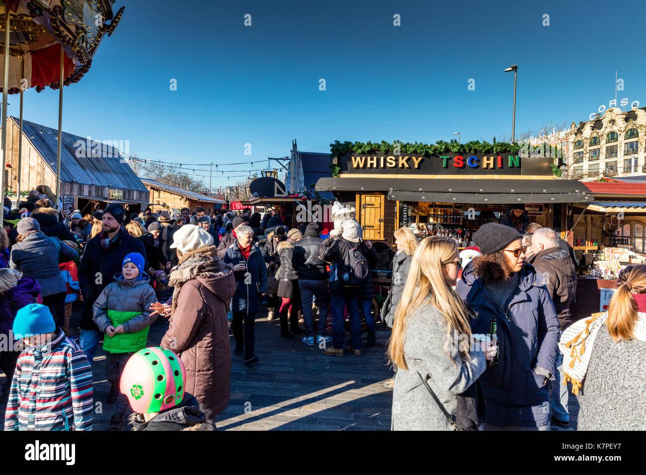 Zurich, Switzerland - 10 december 2016: Zurich Christmas Market in ...