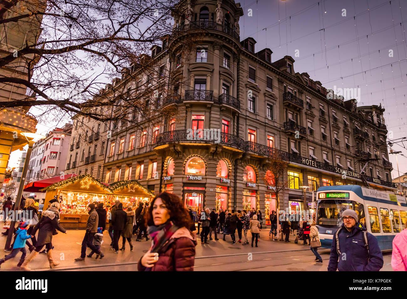 Zurich, Switzerland - 10 december 2016: Zurich Christmas Market ...