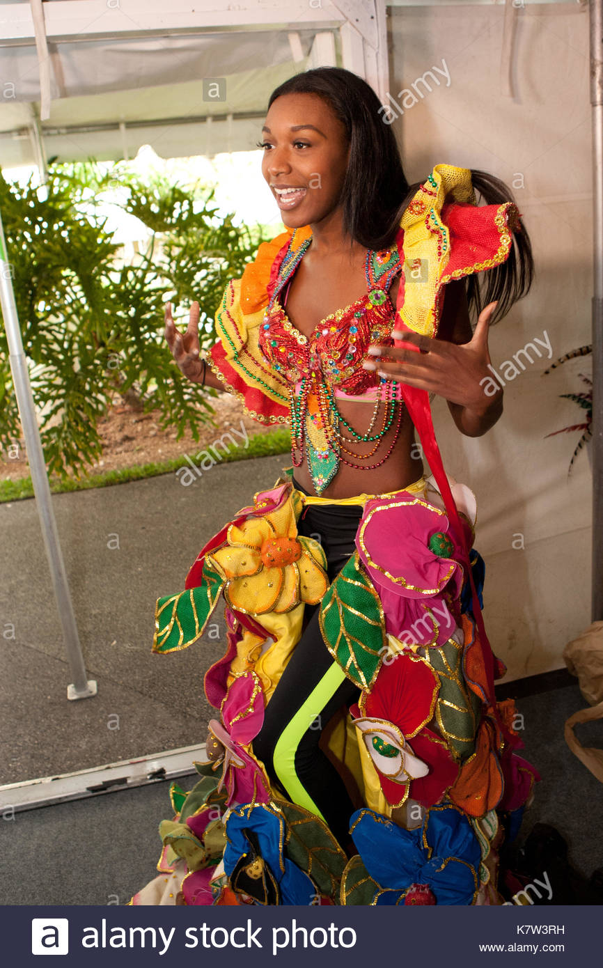 Jacques schell photographe synthesis of all pictures from www - Christie Desir Miss Haiti Contestants Wear National Custom At The 63rd Annual Miss Universe