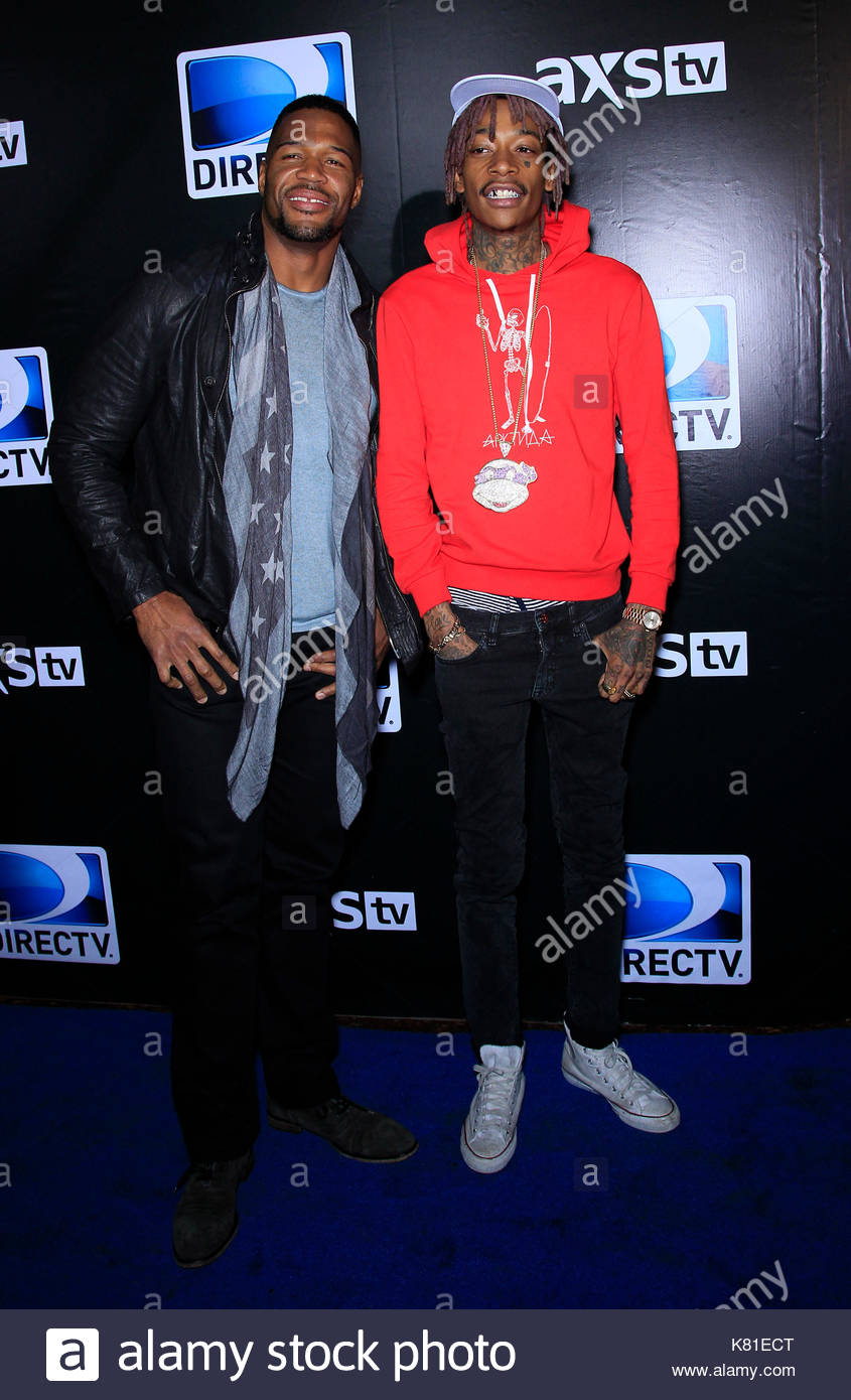 Pictures of wiz khalifa pictures of celebrities - Michael Strahan And Wiz Khalifa Admsupersaturdaypartymjt51 Celebrities Arrive At The Directv Super Saturday Night Event In Phoenix At The Directv