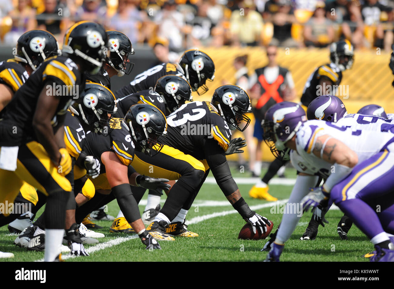 Sept 17th 2017 Maurkice Pouncey 53 during the Pittsburgh