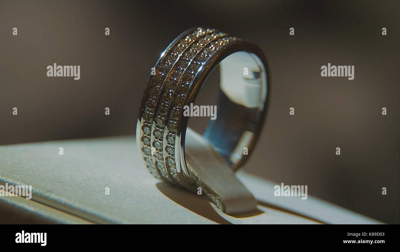 Precious Diamond Rings Fine Luxury Diamond Jewellery Window Display