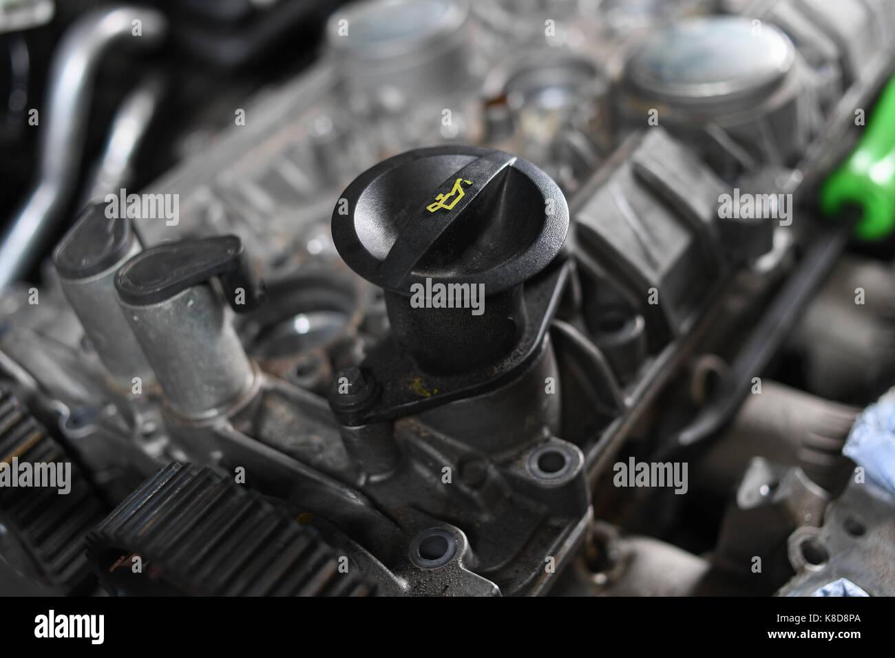 Ford Focus Oil Cap In Engine Stock Photo 160102834 Alamy
