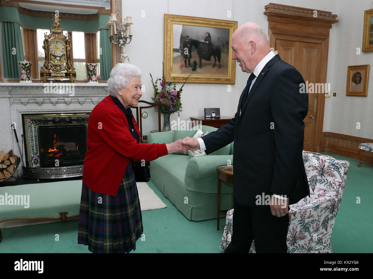 General Sir Peter Cosgrove The Governor General Of Australia Meets