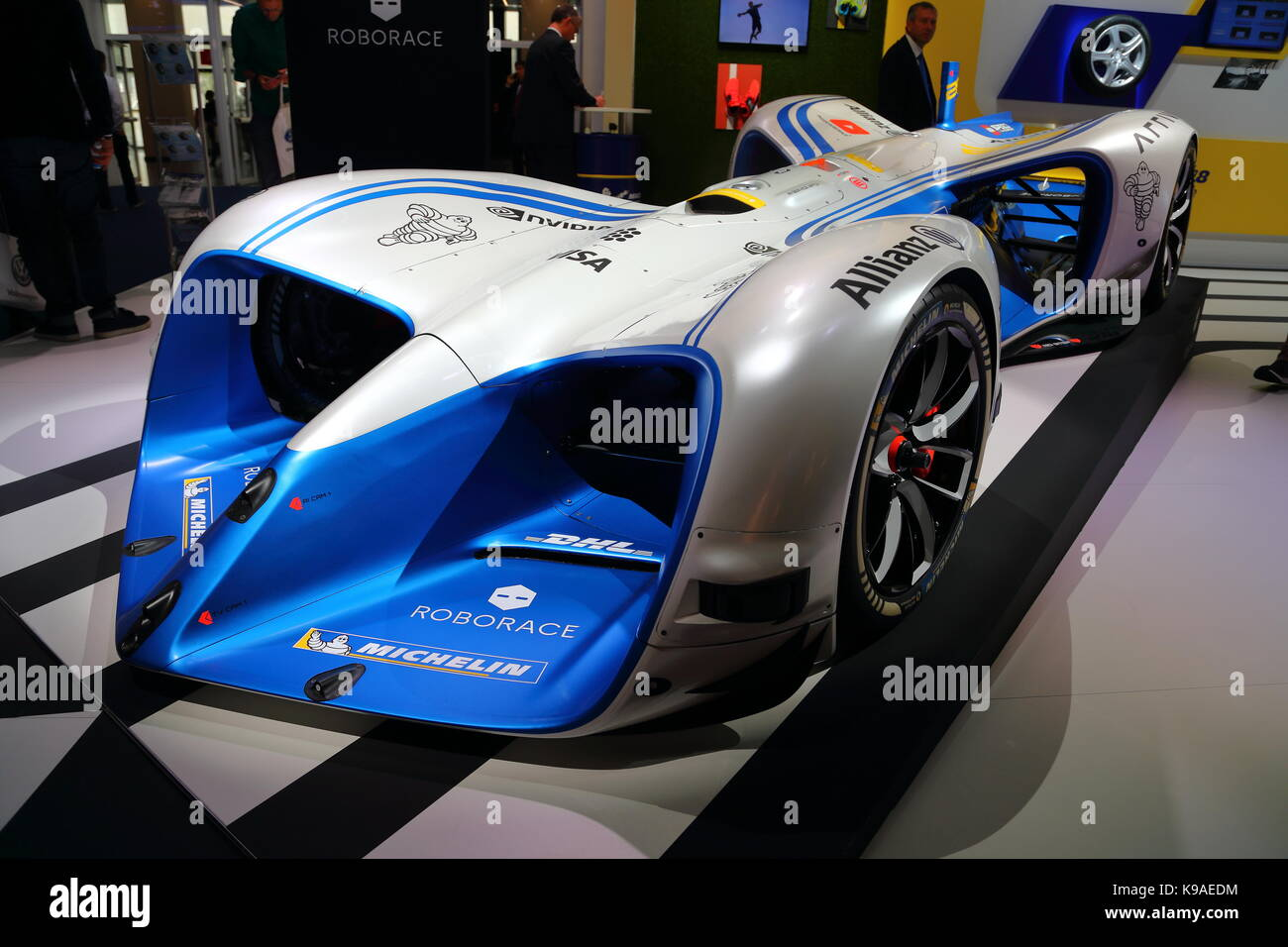 Car Manufacturers From All Over The World Present Their Newest - Sports cars manufacturers