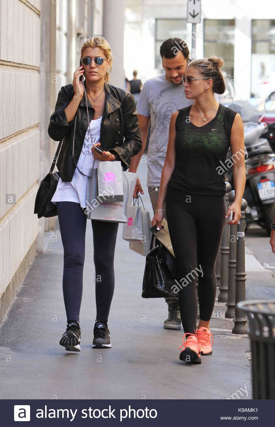 Favorito Claudia Galanti And Raffaella Zardo Stock Photos & Claudia Galanti  IV39