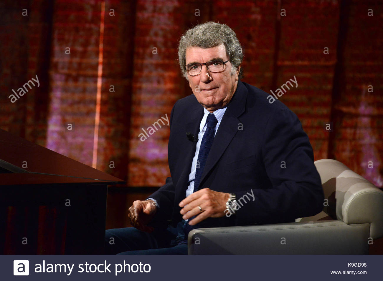 """Dino Zoff Celebrities appear on the television show """"Che tempo"""