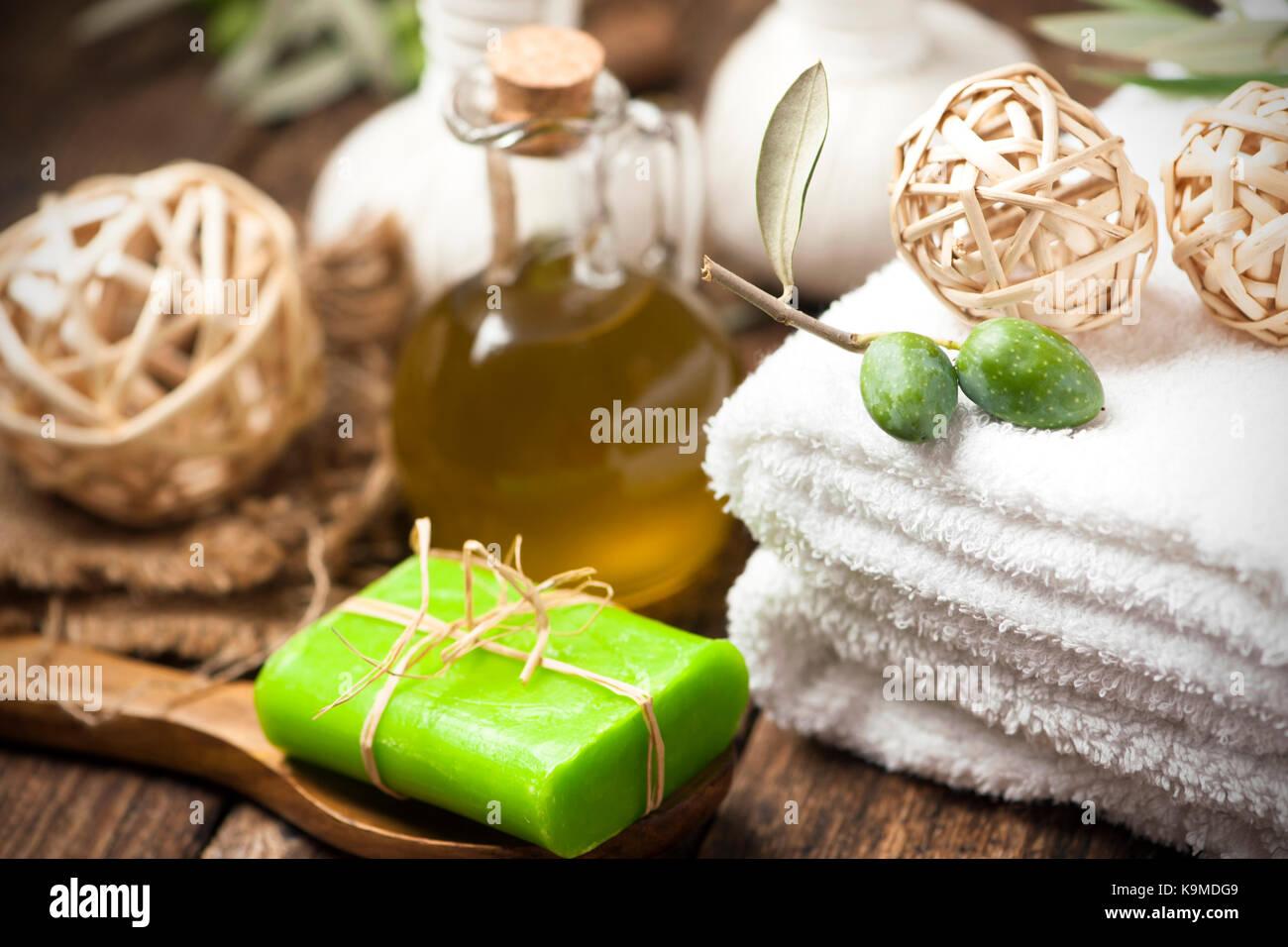 how to make olive leaf oil