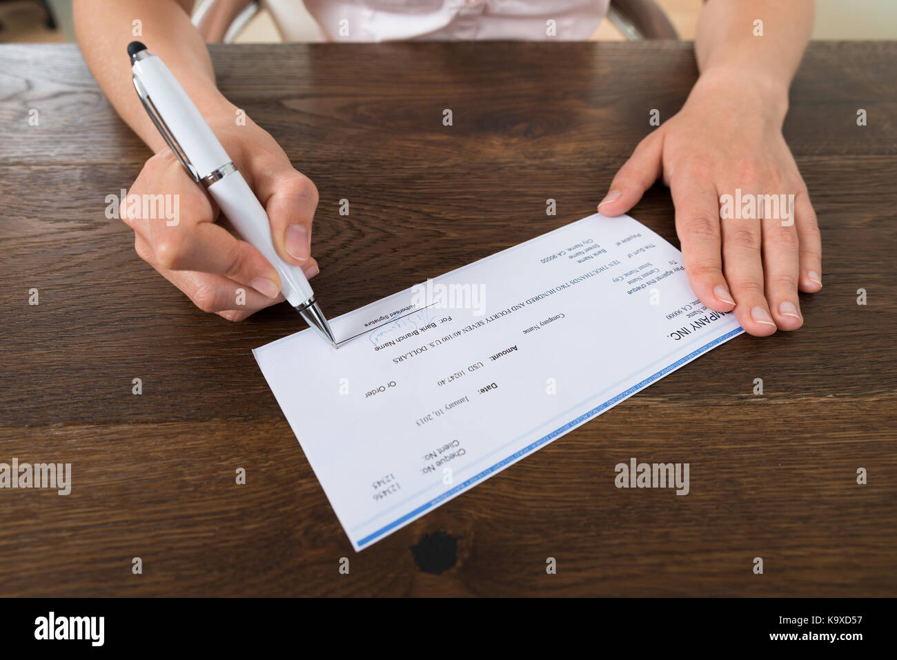 writing a cheque Writing your cheque you'll need to make sure you include all the right details so that your cheque isn't returned unpaid or delayed like: the date (cheques are valid for 6 months.