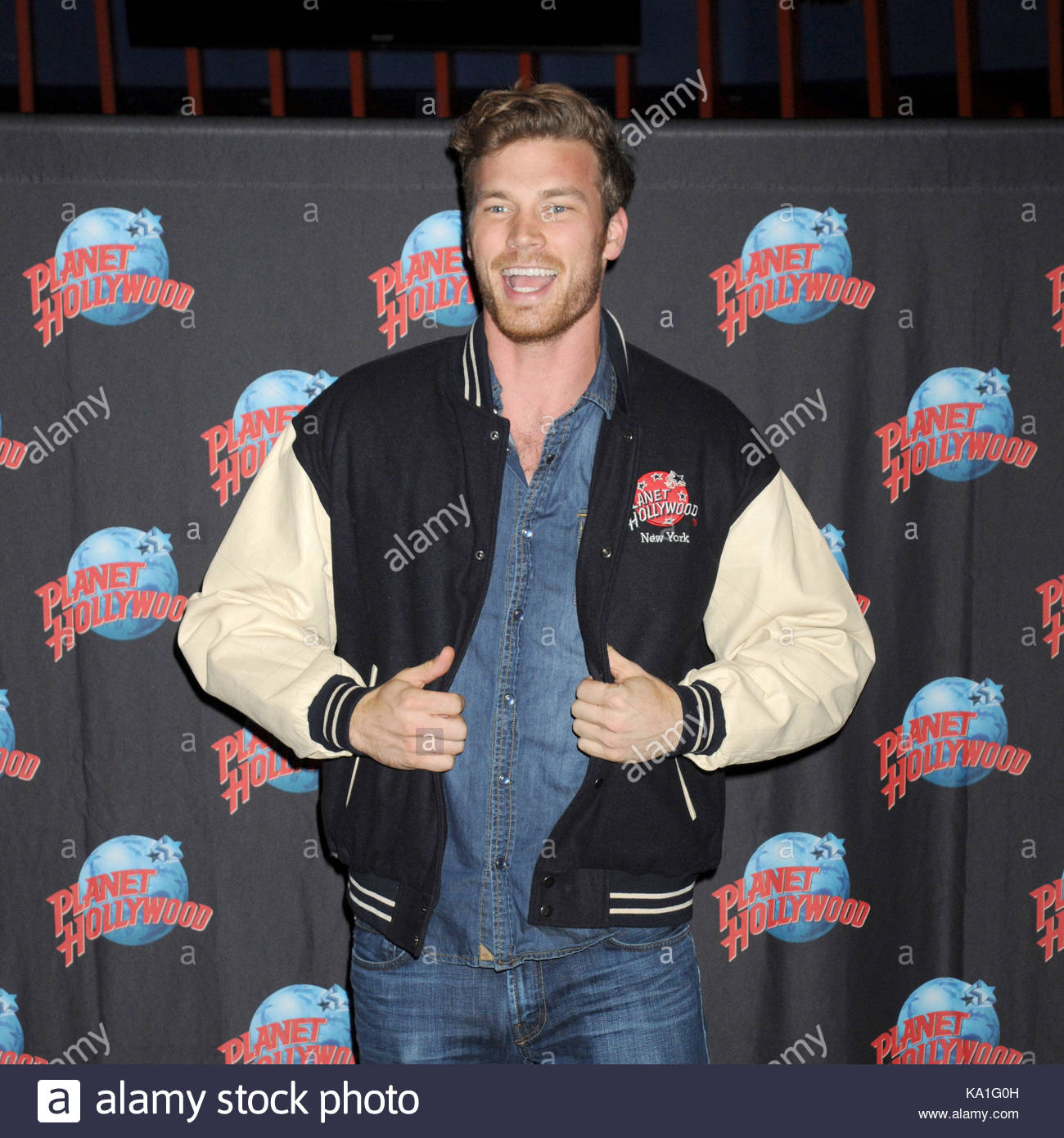 Derek theler actor derek theler star of abc familys baby daddy actor derek theler star of abc familys baby daddy hosts a meet and greet with fans at planet hollywood in times square nyc m4hsunfo Image collections