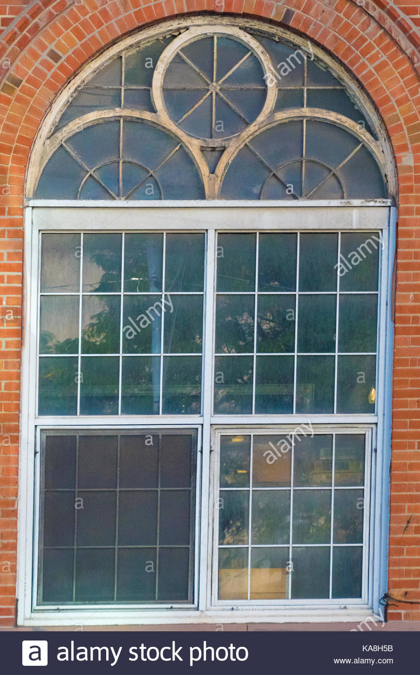 Toronto Hydro Electric System Old Red Brick Building - Building architectural windows