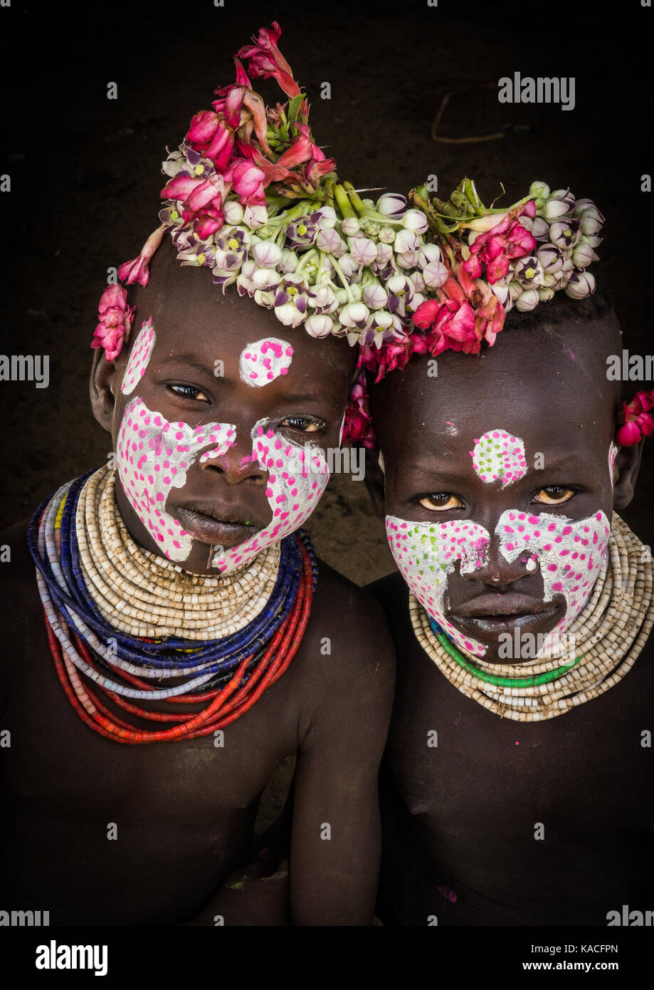Karo Tribe Kids With Flowers Decorations Korcho Omo Valley Stock