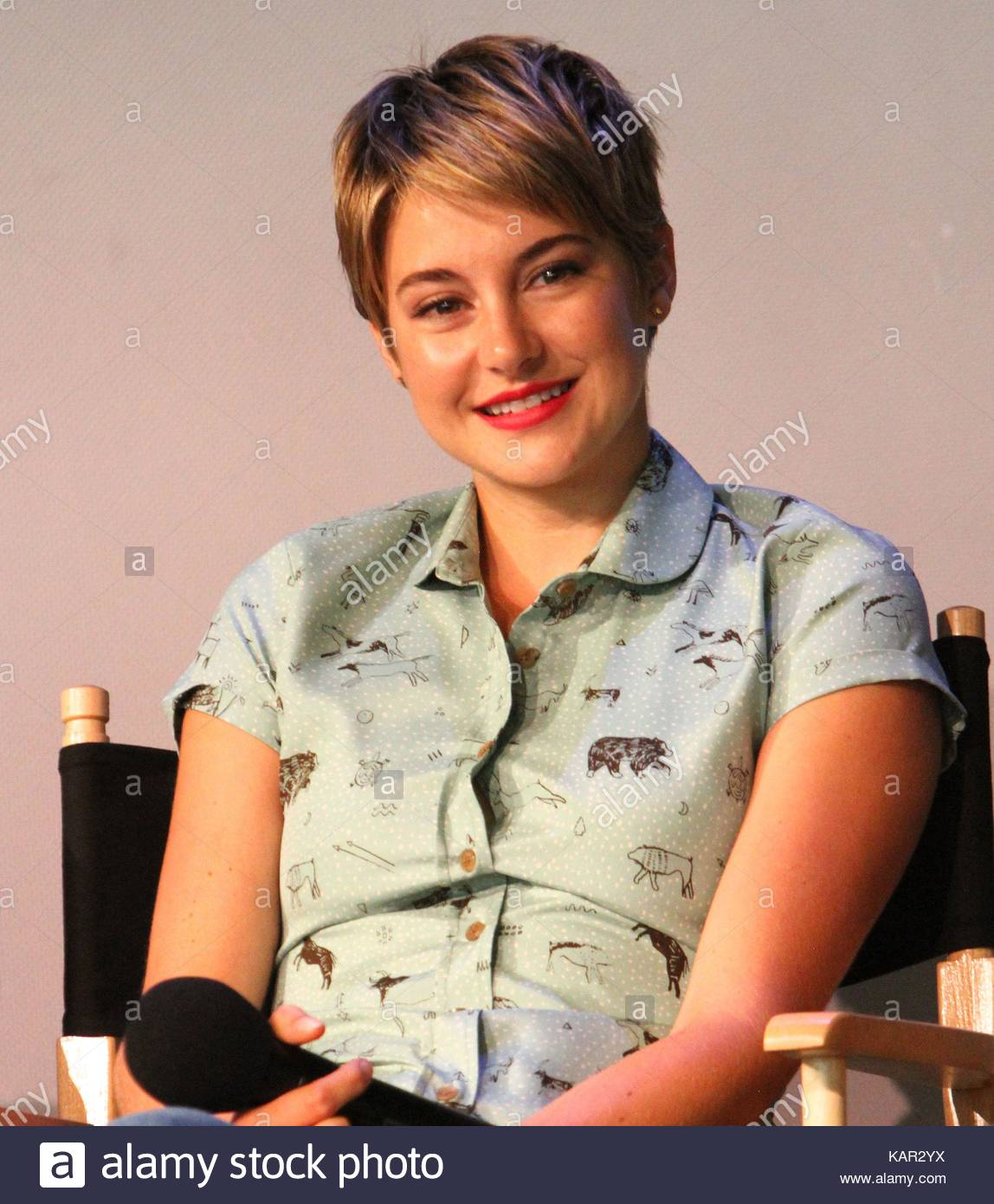 Shailene woodley apple store soho presents meet the filmmakers apple store soho presents meet the filmmakers john green sam trammell and laura dern the fault in our stars event in nyc m4hsunfo