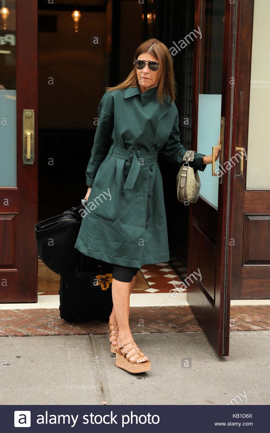 Editor French Vogue Carine Roitfeld Stock Photos & Editor ...
