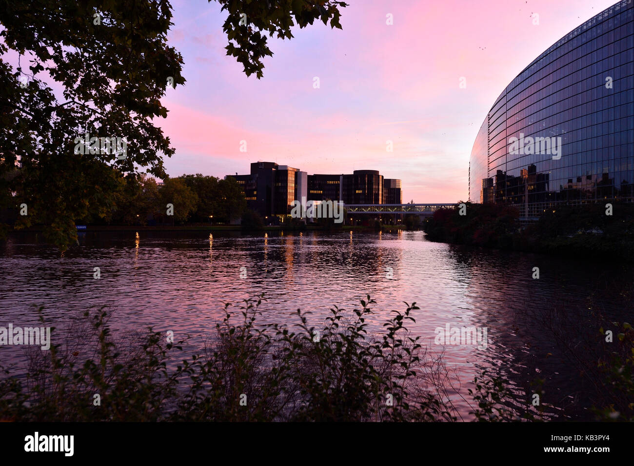 Parlement stock photos parlement stock images alamy for Architecture firms in europe