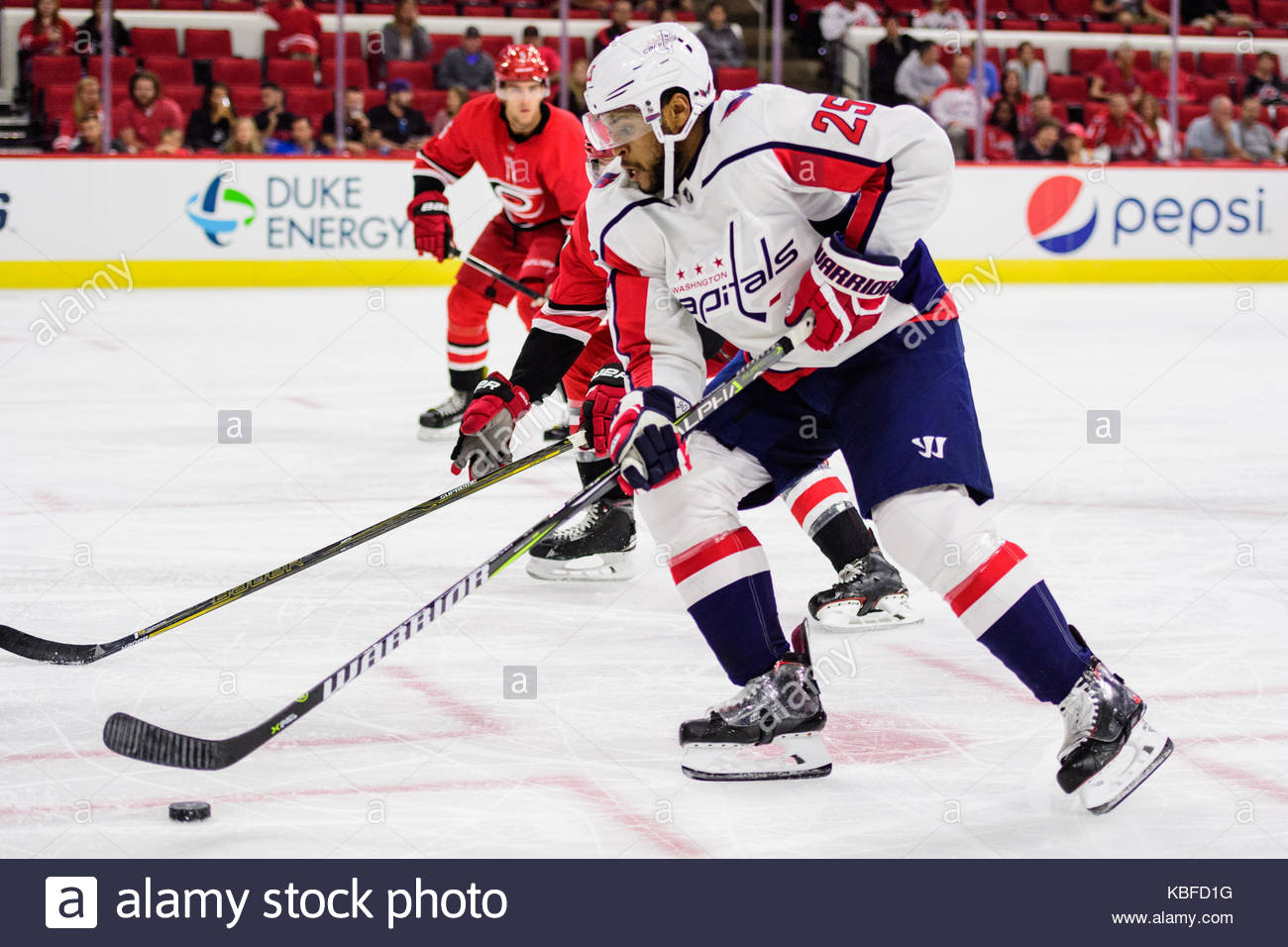 Washington Capitals Right Wing Devante Smith-Pelly (25) during the NHL  preseason game between the Washington Capitals and the Carolina Hurricanes  on Friday ... ae2908b3d4e