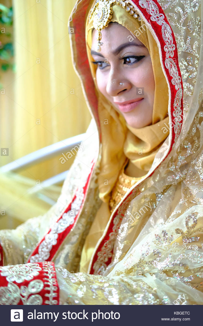 muslim single women in random lake Single women – female, women available for singles dating to message and chat meet single women who are available on bar4fun meet, message and online chat with single women.