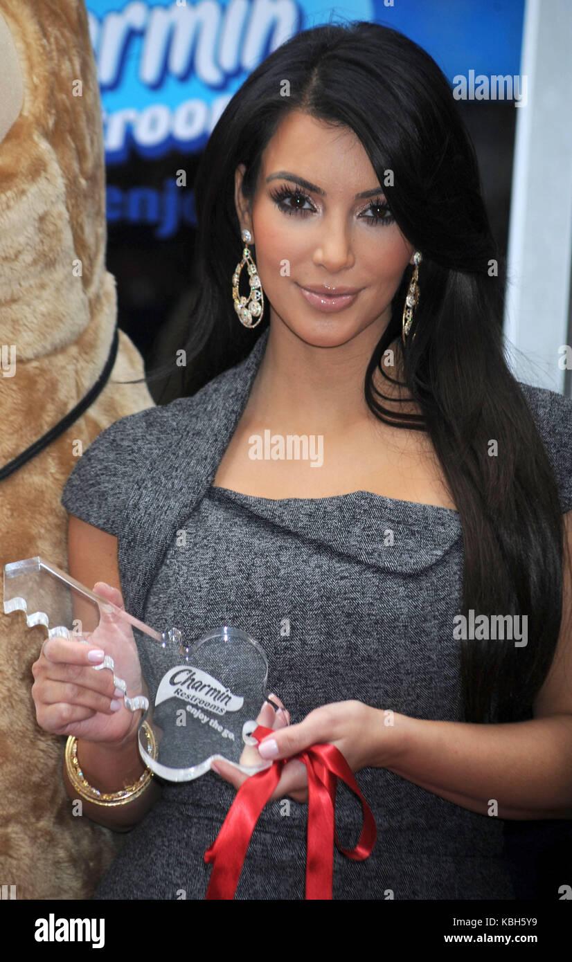 23. Kim Kardashian nude (91 photo), Ass, Bikini, Feet, underwear 2020