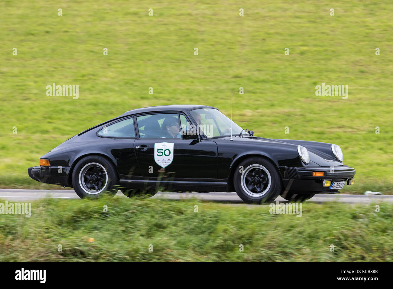 porsche 911 s stock photos porsche 911 s stock images alamy. Black Bedroom Furniture Sets. Home Design Ideas