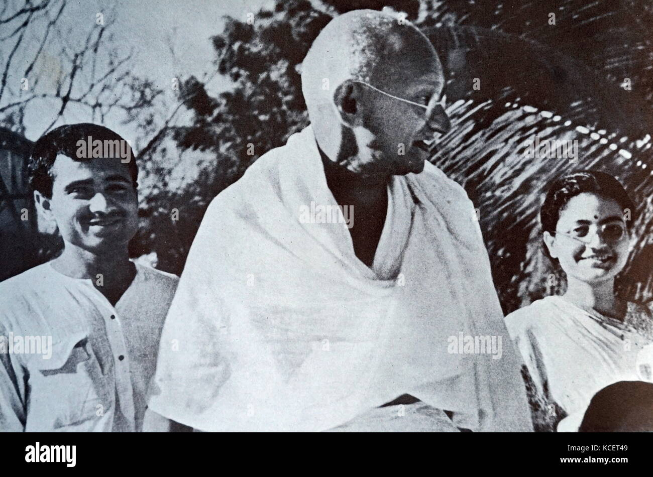 the motivation methods and role of mohandas karamchand gandhi in the indian independence movement Mohandas gandhi — also affectionately known as mahatma — led india's  independence movement in the 1930s and 40s by speaking  rights movement  and tibet's dalai lama have emulated his methods in years since,.