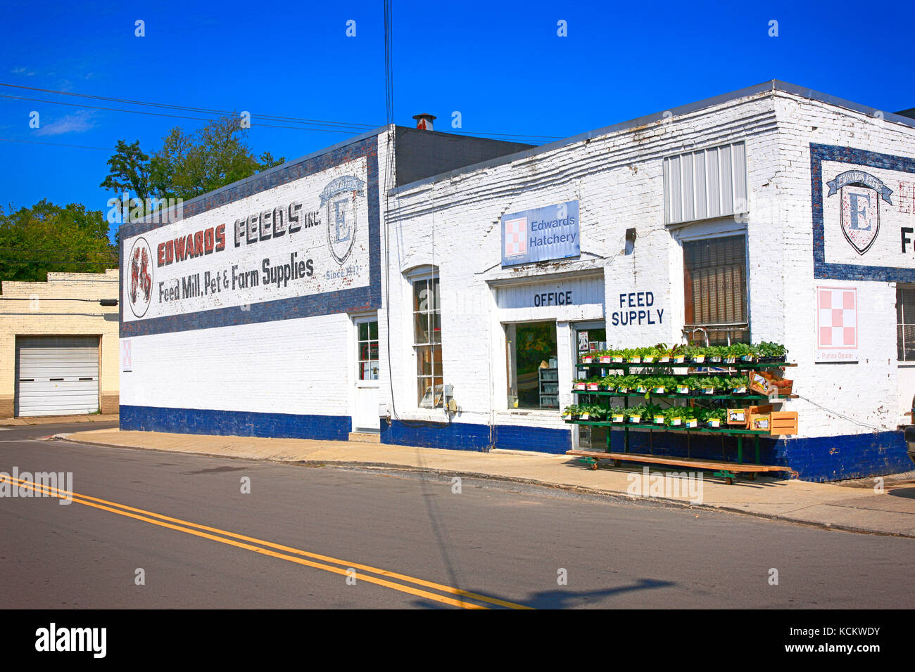 Outside Edwards Feed And Farm Supplies Business In Lebanon TN, USA   Stock  Image