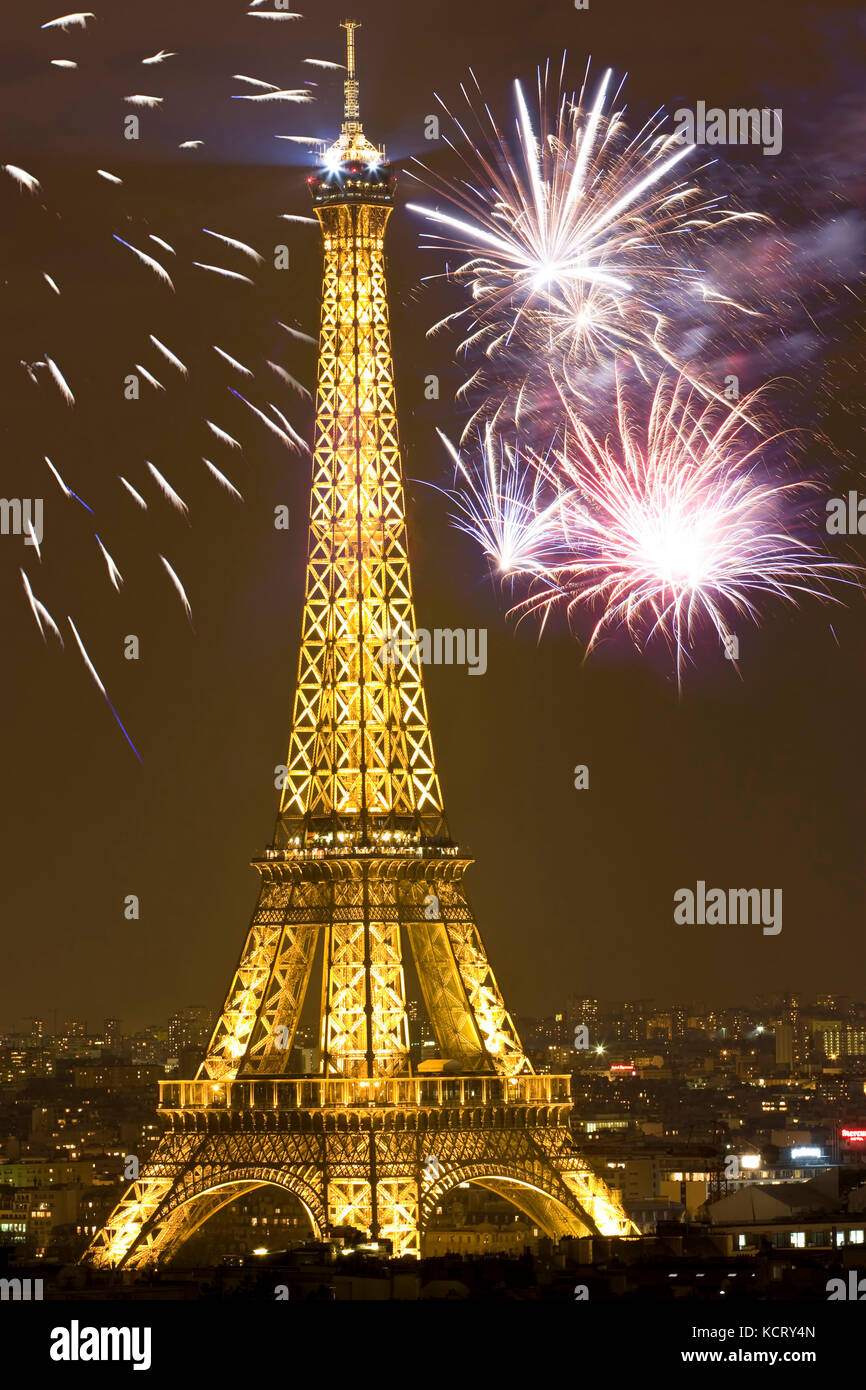 paris new years eve stock photos paris new years eve stock images alamy. Black Bedroom Furniture Sets. Home Design Ideas