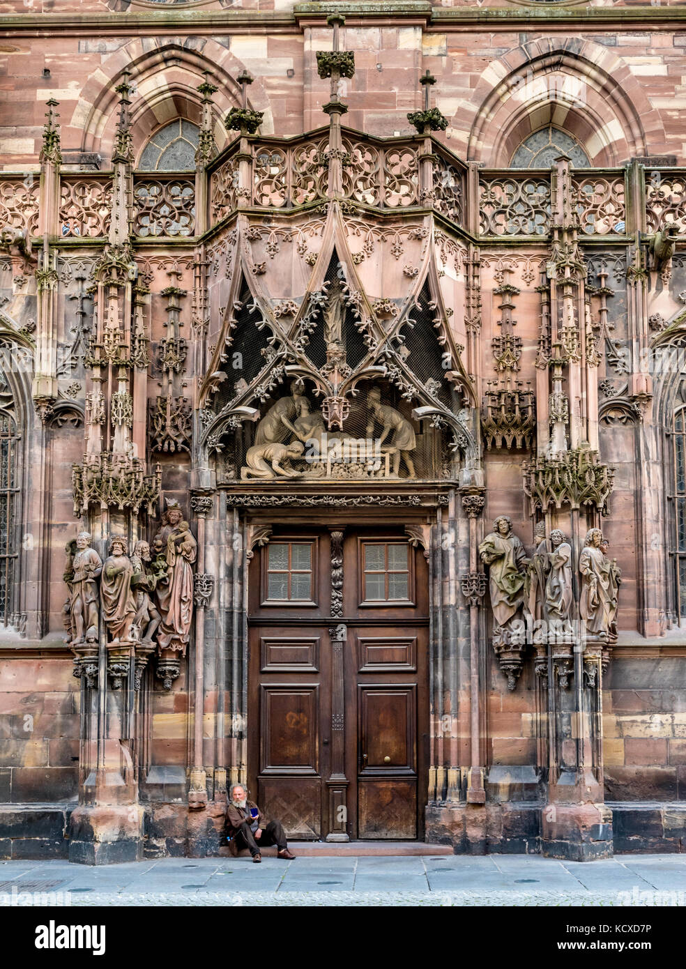 North door of Strasbourg Cathedral with beggar sitting on the steps - Stock Image & Sitting Beggar Stock Photos u0026 Sitting Beggar Stock Images - Alamy pezcame.com