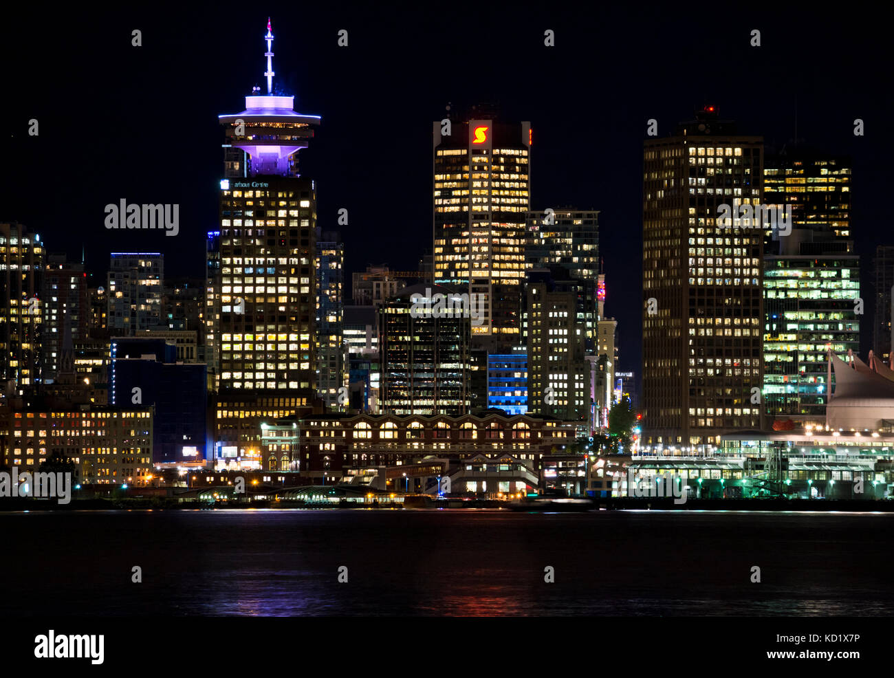 vancouver-skyline-on-the-waterfront-at-n