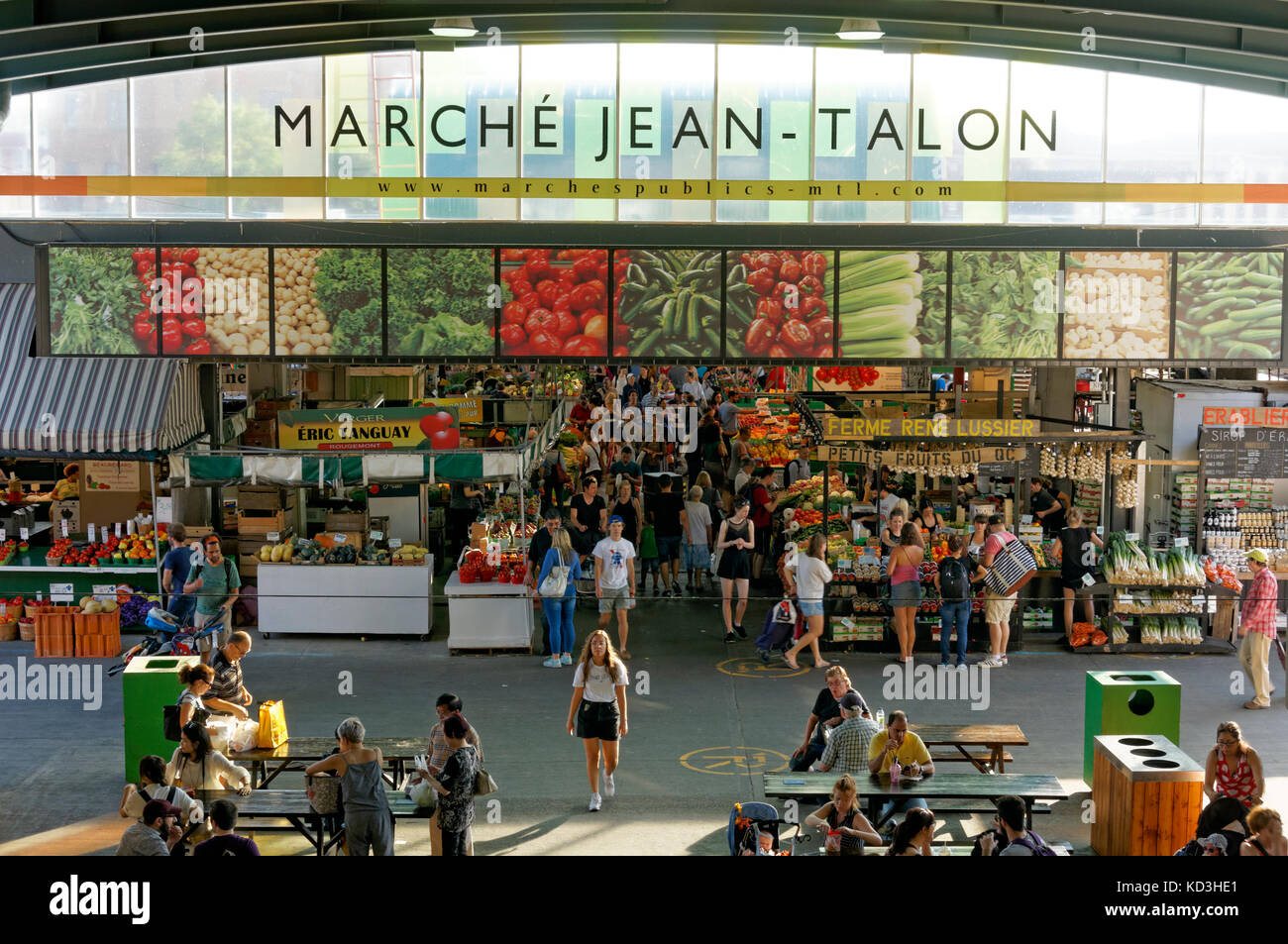 Marche jean talon montreal stock photos marche jean for Meubles montreal jean talon