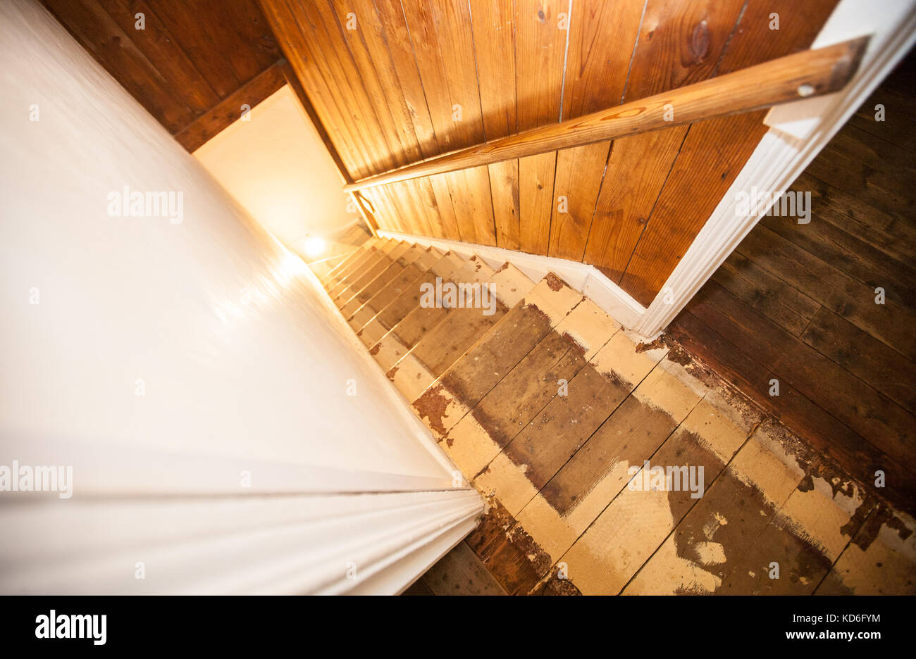 PROPERTY RELEASE,MY HOUSE STAIRS, Renovation,do It Yourself,DIY,diy, Renovating,wooden,staircase,old,paint,renew,stain,job,project,UK,U.K.,