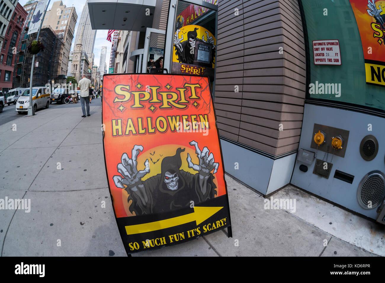 A Spirit Halloween pop-up store in New York on Thursday, October 5 ...