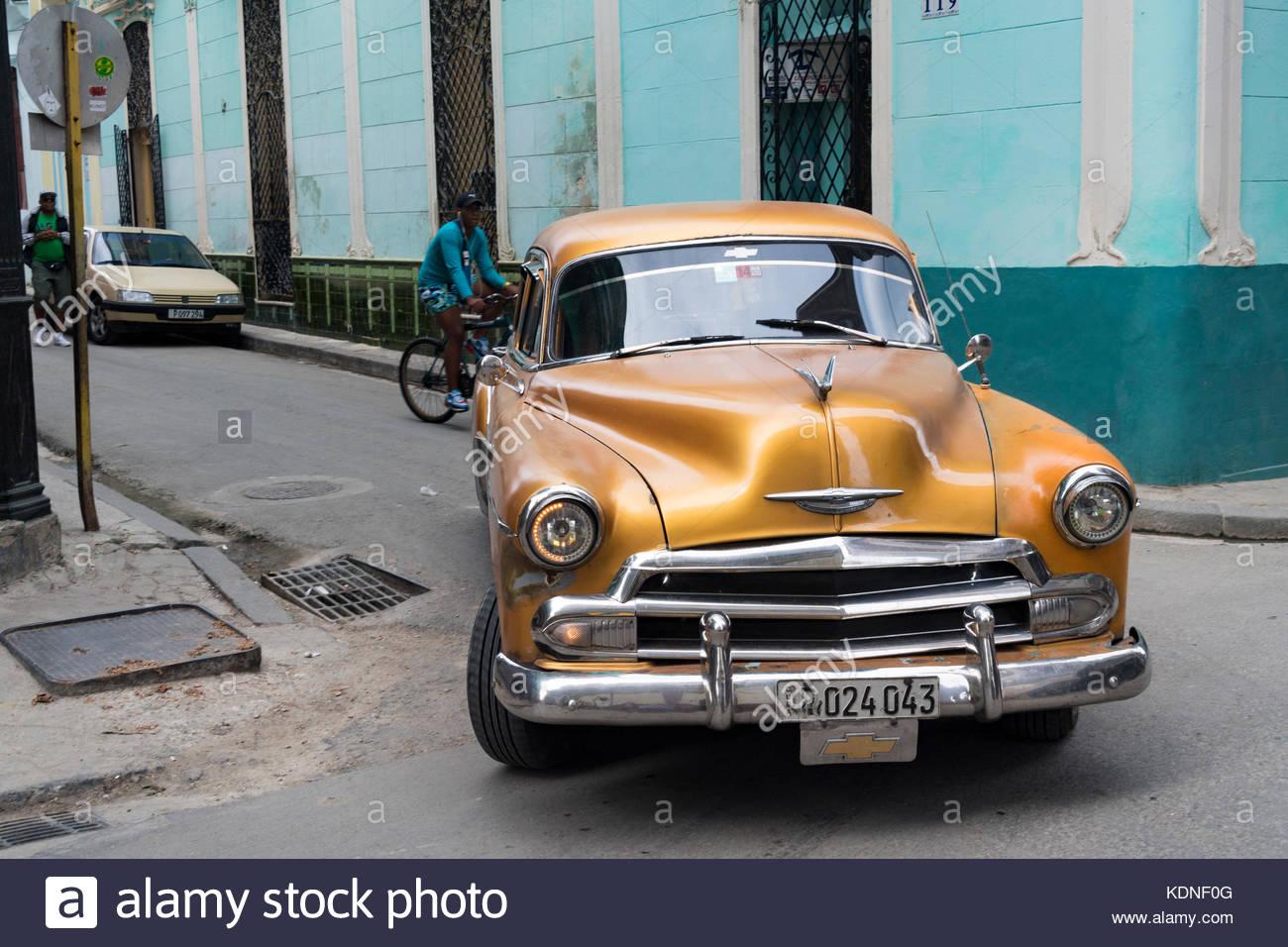 Classic Convertible Car Architecture Tour Havana
