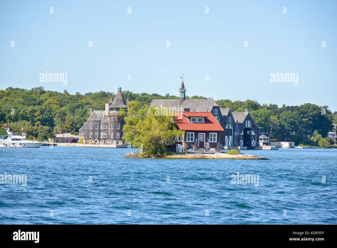 the just room enough island 1000 islands and kingston in ontario stock photo 163369303 alamy. Black Bedroom Furniture Sets. Home Design Ideas