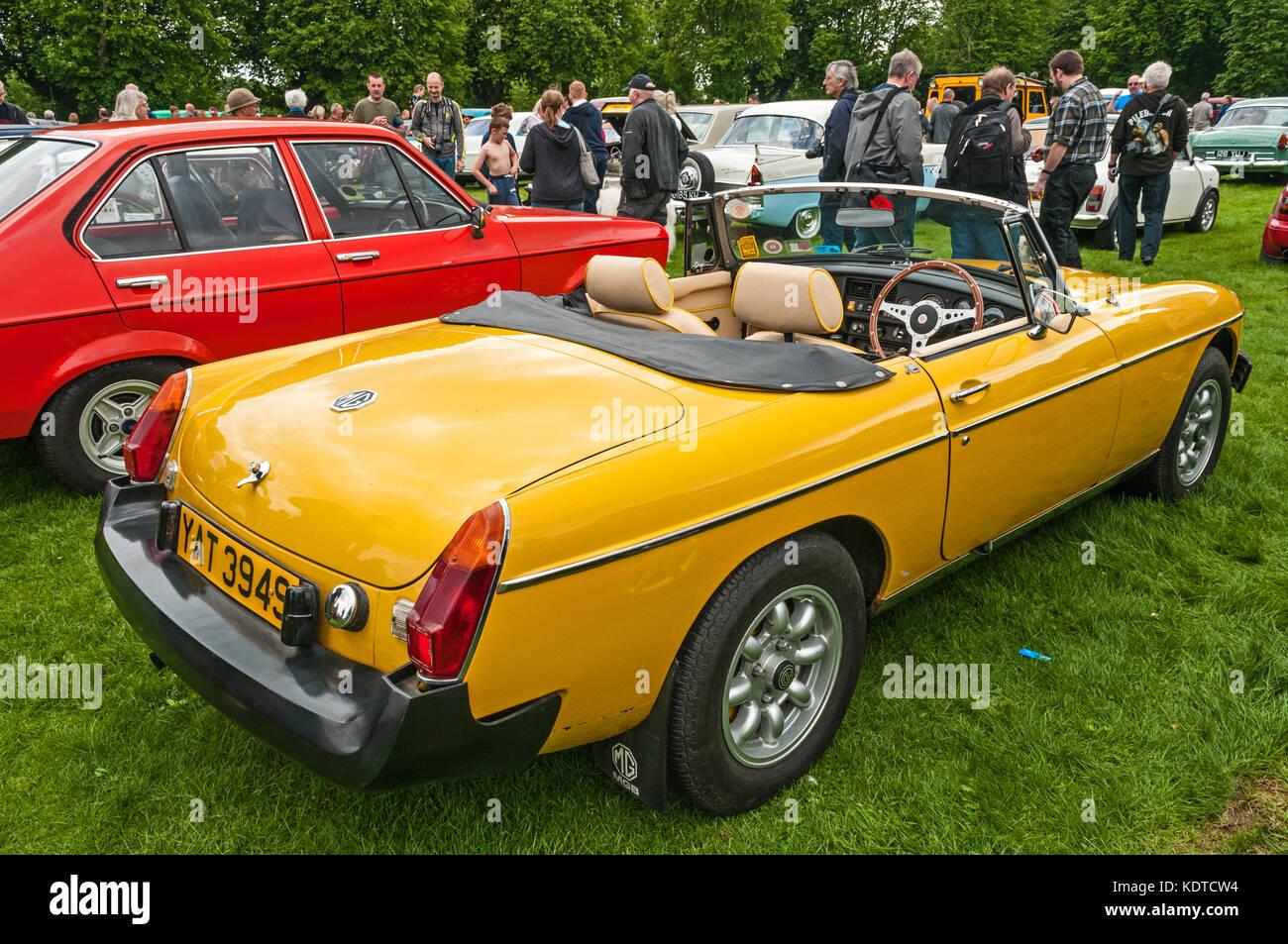 Classic Car Show East Park Hull