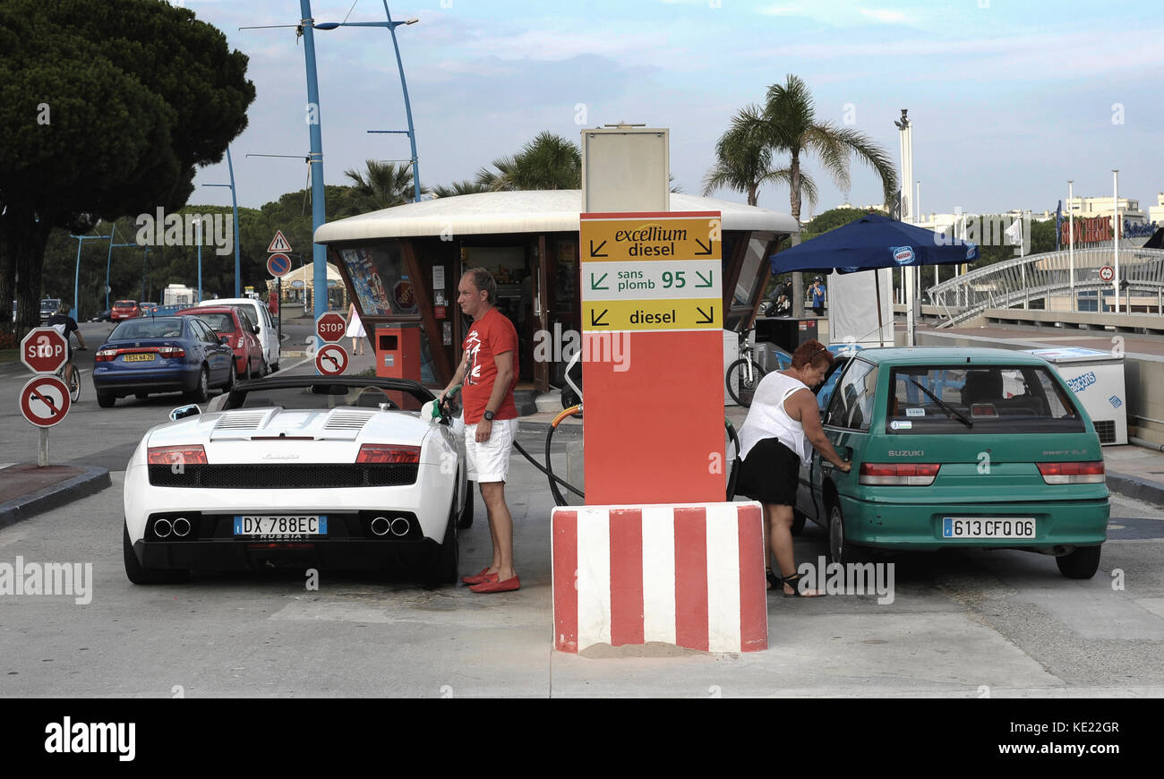 service stations stock photos service stations stock images alamy. Black Bedroom Furniture Sets. Home Design Ideas